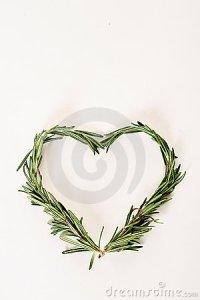 rosemary-sprigs-heart-12064060