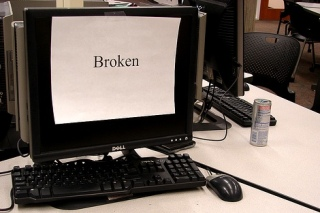 broken_computer_in_a_lab